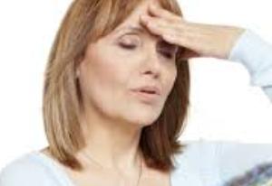 50代女性薄毛の特徴と原因。抜け毛対策で第二の人生を楽しむ方法!