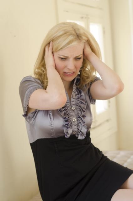 女性も分け目や生え際の薄毛が気になる。その抜け毛対策方法とは・・