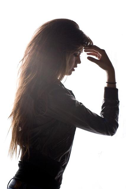 頭皮が臭う女性はけっこういます。クサイ臭いの原因&対策方法
