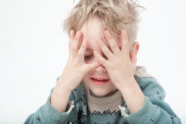 白髪染め、ヘアカラーで抜け毛が増え、薄毛になる人が増えている!?